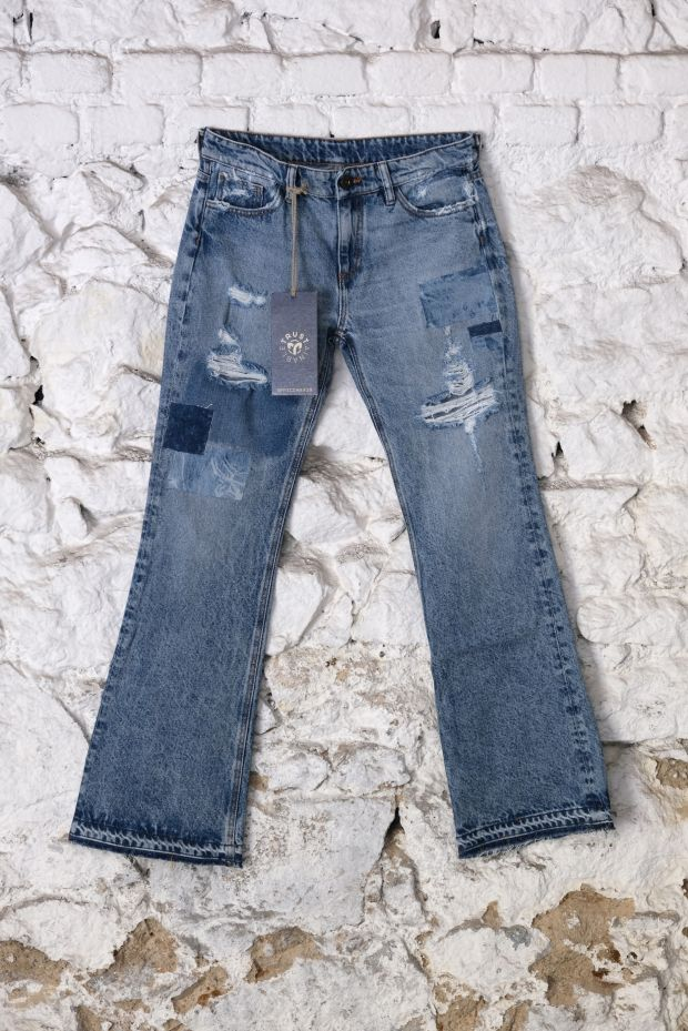 Jeans treated with Officina+39 Oz-One
