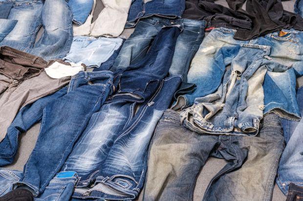 Blue Loop Originals jeans at Innatex