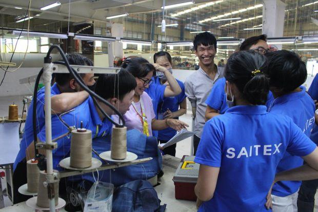 Workers of the Rekut program at Saitex