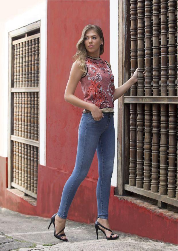 Jeans using Lycra fibers